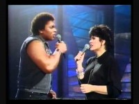 Aaron Neville & Lisa Ronstadt – Don't Know Much
